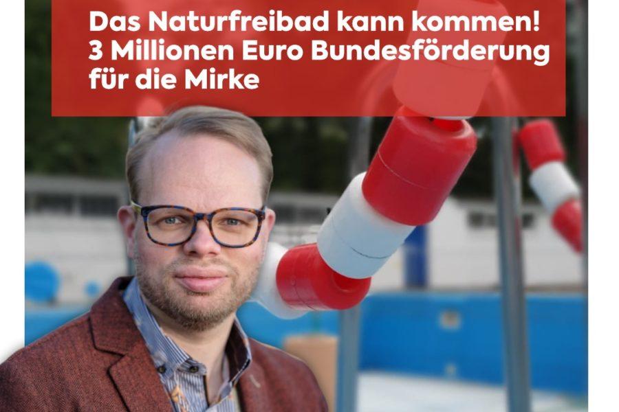 Helge Lindh vor Freibad Mirke
